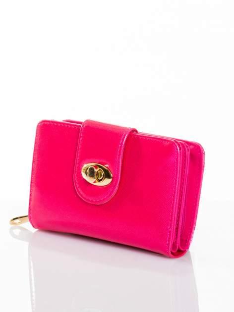 Różowy portfel ze złotym zapięciem efekt skóry saffiano                                  zdj.                                  2