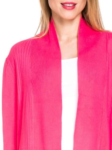Różowy sweter kardigan z podwijanym rękawami z guziczkami                                  zdj.                                  5