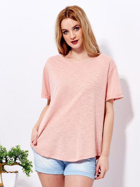 Różowy t-shirt basic z podwijanymi rękawami                              zdj.                              1