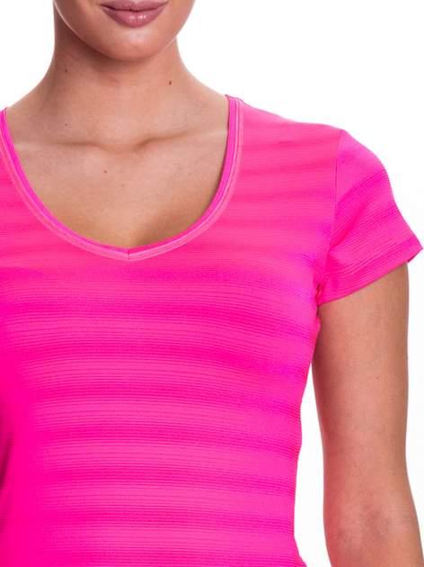 Różowy t-shirt sportowy w paseczki                                  zdj.                                  5