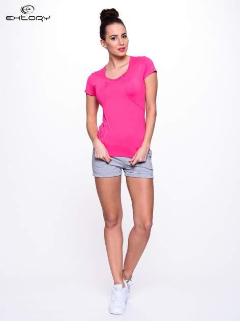 Różowy t-shirt sportowy z marszczeniem przy biuście                                  zdj.                                  2