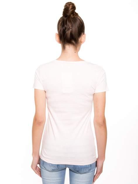 Różowy t-shirt z nadrukiem                                  zdj.                                  3