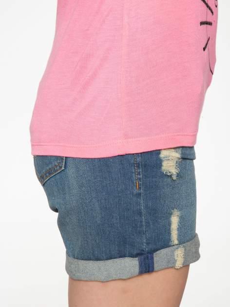 Różowy t-shirt z nadrukiem kota i myszy                                  zdj.                                  9