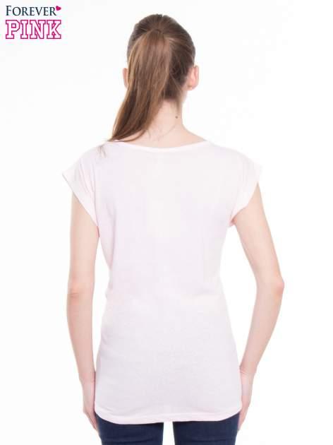 Różowy t-shirt z nadrukiem tekstowym z efektem glitter                                  zdj.                                  3