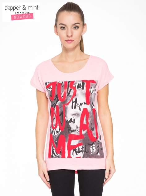 Rózowy t-shirt z napisem JUST YOU AND ME                                  zdj.                                  1