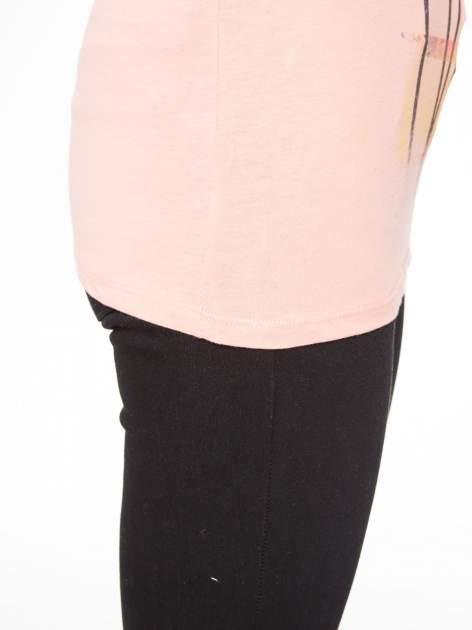 Rózowy t-shirt z napisem THE BEST IS YET TO COME                                  zdj.                                  10