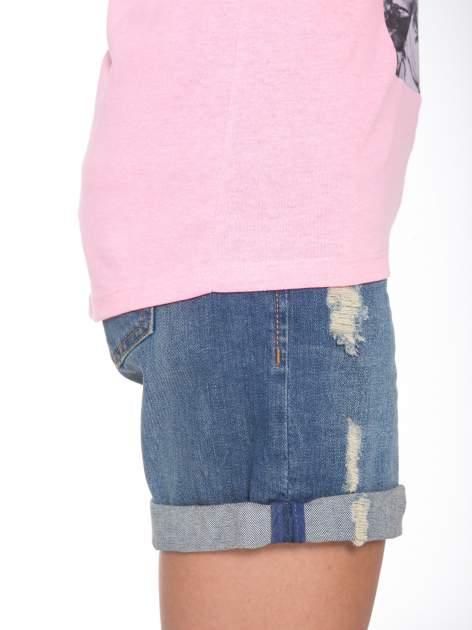Różowy t-shirt z romantycznym nadrukiem dziewczyny                                  zdj.                                  8