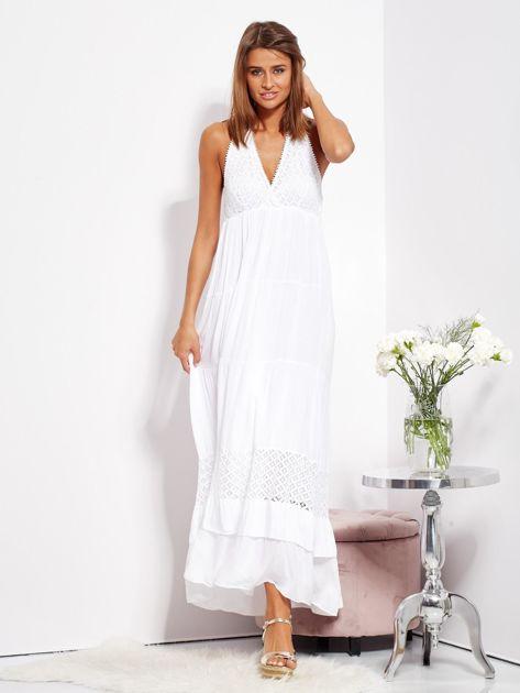 Biała sukienka maxi z koronką i wiązaniem na szyi                              zdj.                              6