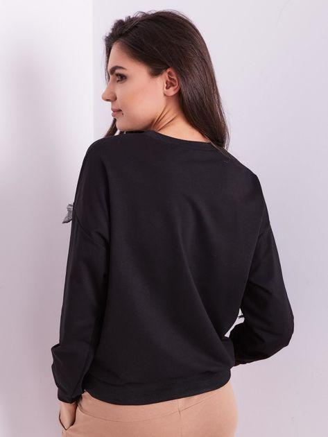 Czarna bluza z aplikacją                              zdj.                              3