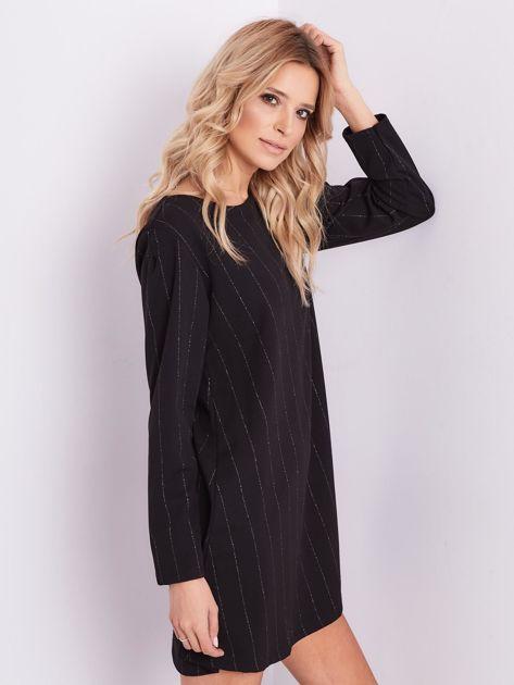 Czarna sukienka o luźnym kroju                              zdj.                              6