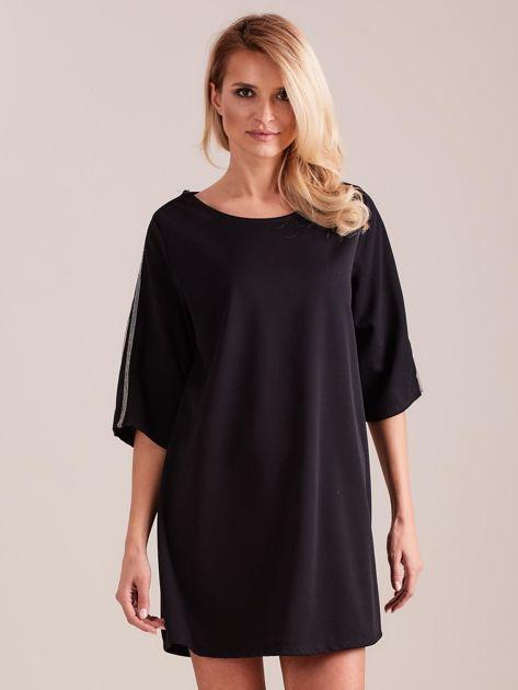 SCANDEZZA Czarna sukienka oversize                              zdj.                              2