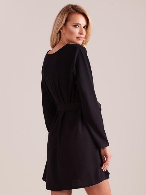 SCANDEZZA Czarna sukienka z paskiem                              zdj.                              3