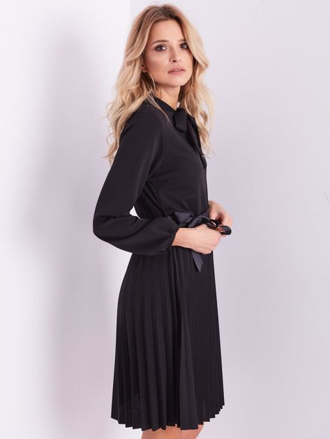 Czarna sukienka z wiązaniami                              zdj.                              8
