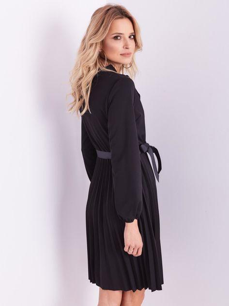 SCANDEZZA Czarna sukienka z wiązaniami                              zdj.                              9