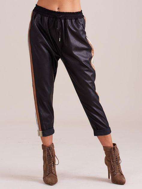 Czarne skórzane spodnie                              zdj.                              4