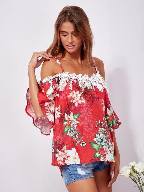 Czerwona lniana bluzka cold shoulder w kwiaty                              zdj.                              6