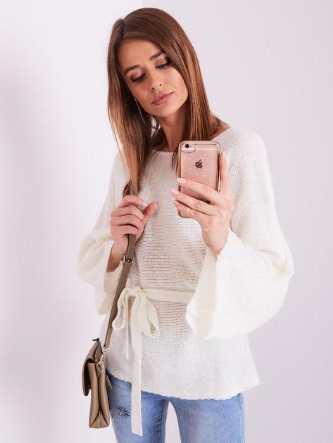 Ecru sweter z szerokimi rękawami                              zdj.                              8
