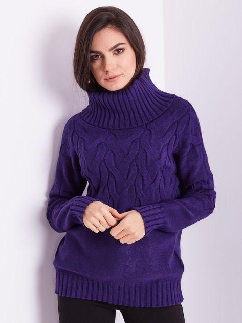 Fioletowy sweter golf w warkocze                              zdj.                              3