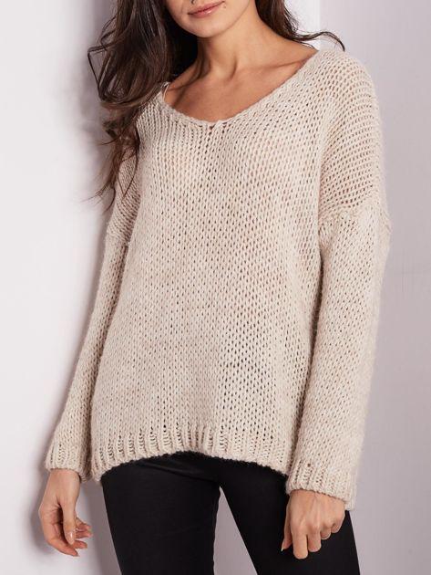 Jasnobeżowy luźny sweter                               zdj.                              3