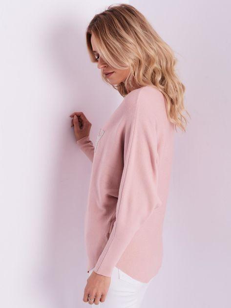 Jasnoróżowy sweter oversize z błyszczącym napisem                              zdj.                              9
