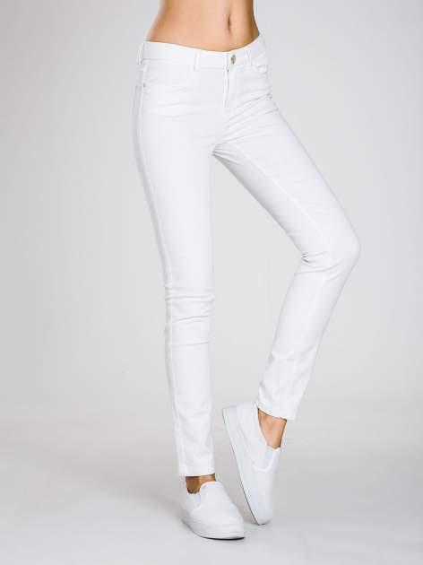 STRADIVARIUS Białe spodnie skinny typu rurki