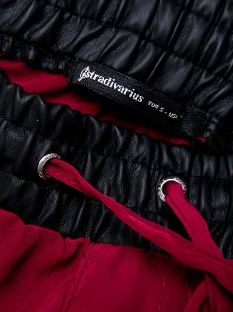STRADIVARIUS Bordowe spodnie ze skórzanym pasem i zamkami                                  zdj.                                  3