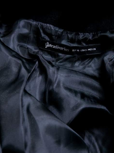 STRADIVARIUS Czarna kurtka typu poncho                                  zdj.                                  3