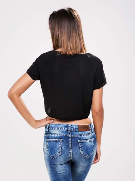 STRADIVARIUS Czarny siatkowy t-shirt typu cropped                                  zdj.                                  2