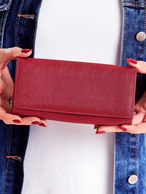 Śliwkowy podłużny portfel damski