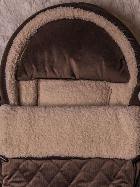 Śpiworek niemowlęcy pikowany do wózka lub łóżeczka z poduszeczką ocieplany na futerku brązowy                              zdj.                              3