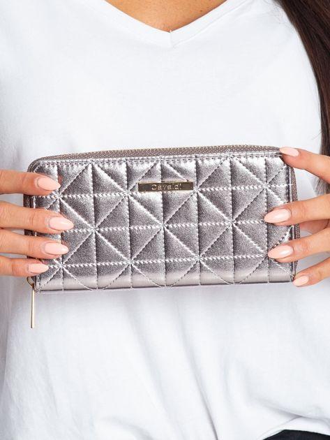 Srebrny portfel z pikowaniem                              zdj.                              1