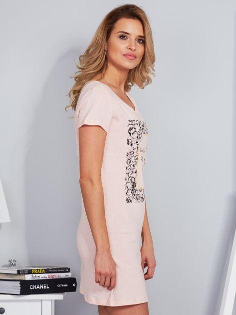 Sukienka bawełniana z kwiatowym nadrukiem brzoskwiniowa                              zdj.                              3