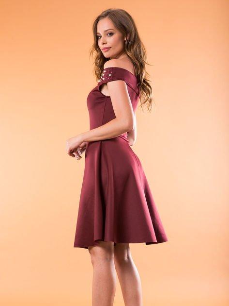 Sukienka bordowa z perełkami                              zdj.                              6