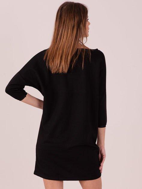 Sukienka czarna z ozdobną lamówką                              zdj.                              3