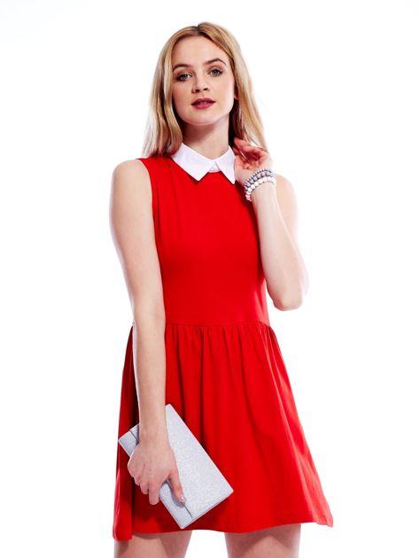 Sukienka czerwona z kołnierzykiem                              zdj.                              1