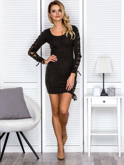 Sukienka damska w prążek ze sznurowaniami khaki                               zdj.                              4
