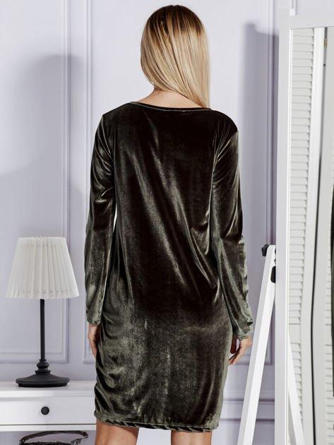 Sukienka damska welurowa z kieszeniami ciemnozielona                                  zdj.                                  5