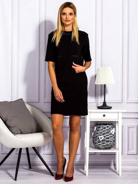 Sukienka damska z kieszeniami czarna                                  zdj.                                  4