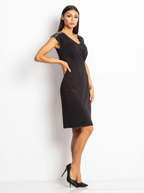 Sukienka damska z łańcuszkami na ramionach czarna                               zdj.                              3