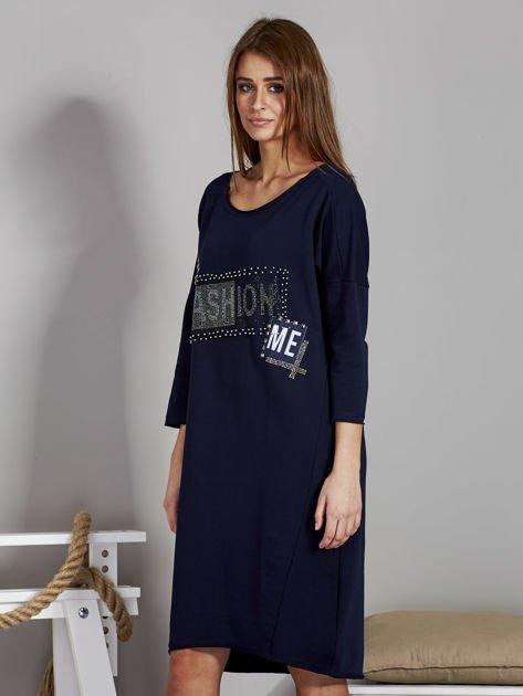 Sukienka damska z napisem z dżetów granatowa                                  zdj.                                  3