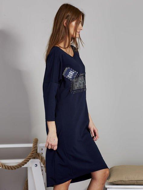 Sukienka damska z napisem z dżetów granatowa                              zdj.                              5