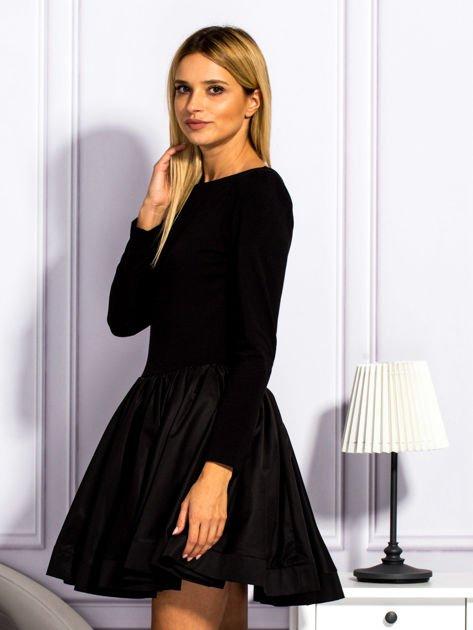 Sukienka damska z rozkloszowaną spódnicą czarna                                  zdj.                                  3