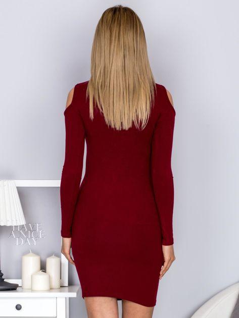 Sukienka damska z wycięciami i dekoltem lace up bordowa                                  zdj.                                  2
