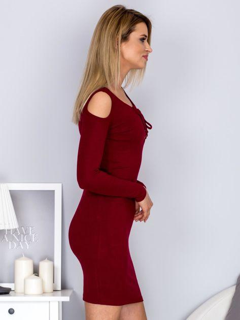 Sukienka damska z wycięciami i dekoltem lace up bordowa                              zdj.                              5