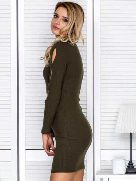 Sukienka damska z wycięciami na rękawach w prążek khaki                              zdj.                              5