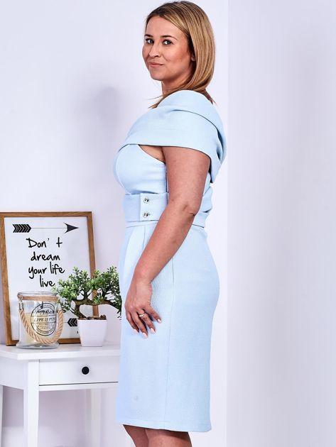 Sukienka jasnoniebieska z delikatnym połyskiem PLUS SIZE                              zdj.                              3