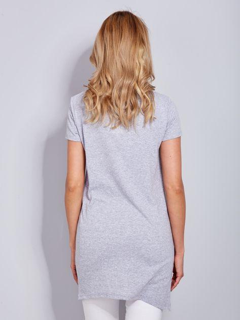Sukienka jasnoszara bawełniana z miłosnym nadrukiem                              zdj.                              3