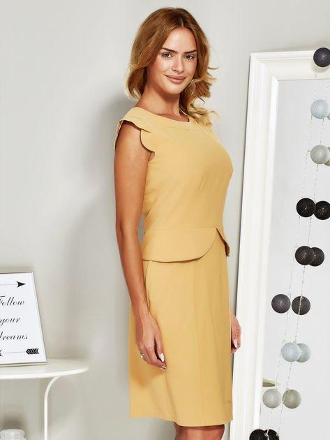 Sukienka koktajlowa z baskinką żółta                              zdj.                              3