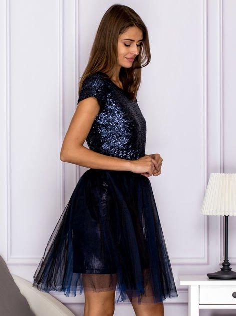Sukienka koktajlowa z tiulem i cekinami granatowa                                  zdj.                                  3