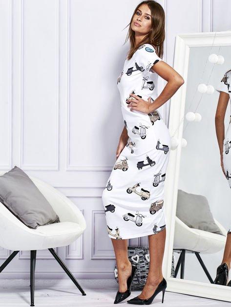 Sukienka maxi z nadrukiem skuterów biała                              zdj.                              5